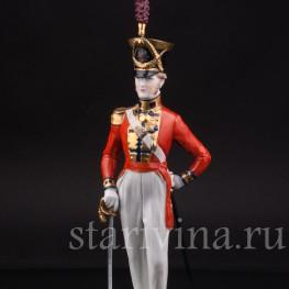 Фарфоровая статуэтка Офицер Шотландской гвардии, 1830, Carl Thieme, Германия, вт пол. 20 века.